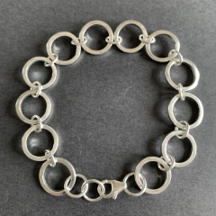 Chain-link-bracelet