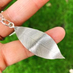 Leaf-Imprint-Necklace