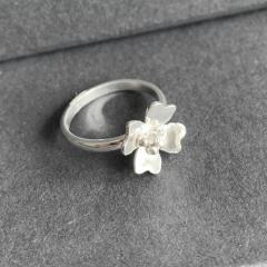 Four-Petal-Flower-Ring-2