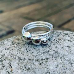 Pebble-Stacker-Rings